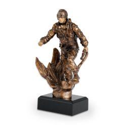 Műgyanta figura - Tűzoltó - FG91